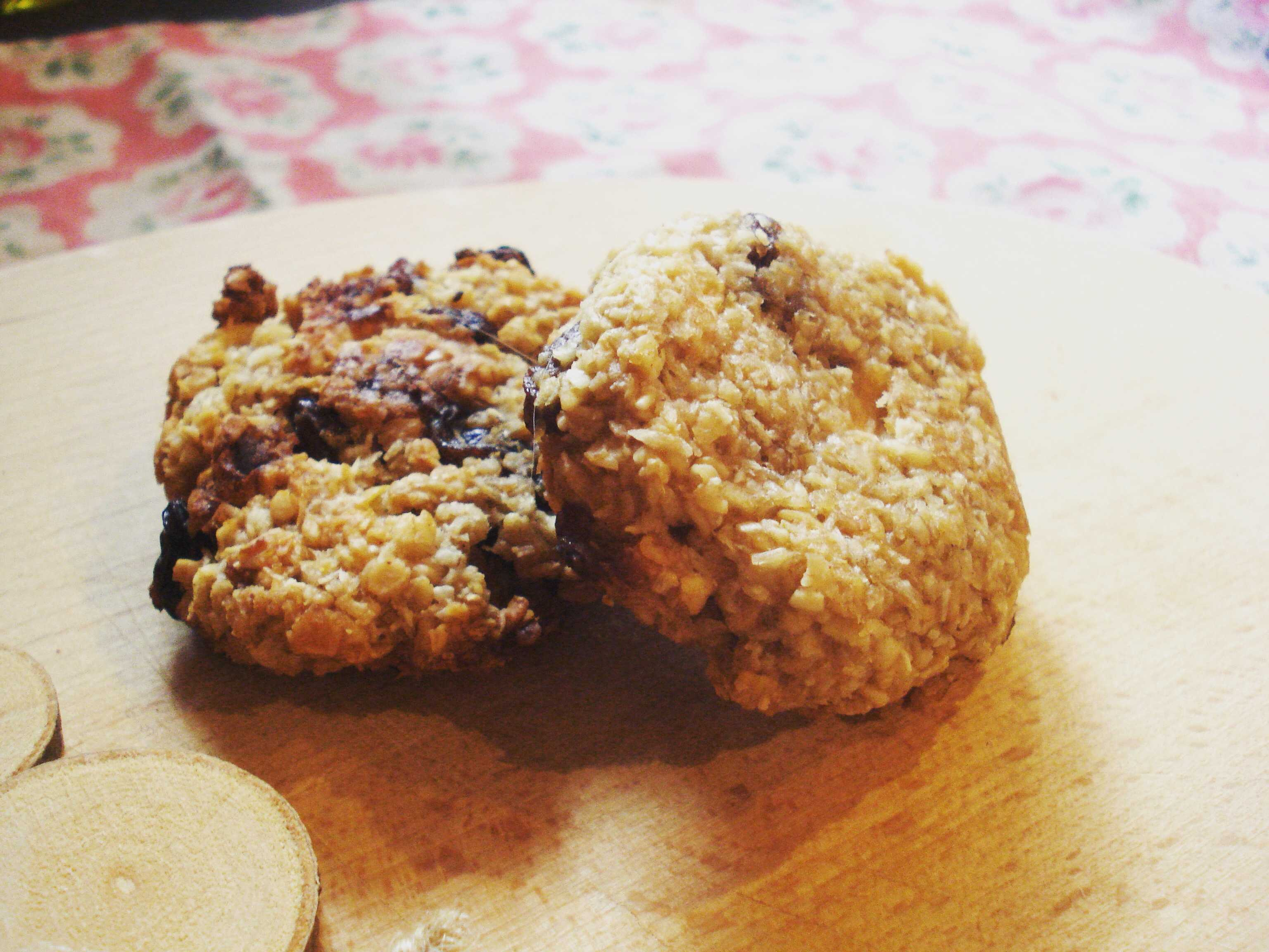 Hearty Oat Breakfast Cookies - Baby LedWeaning